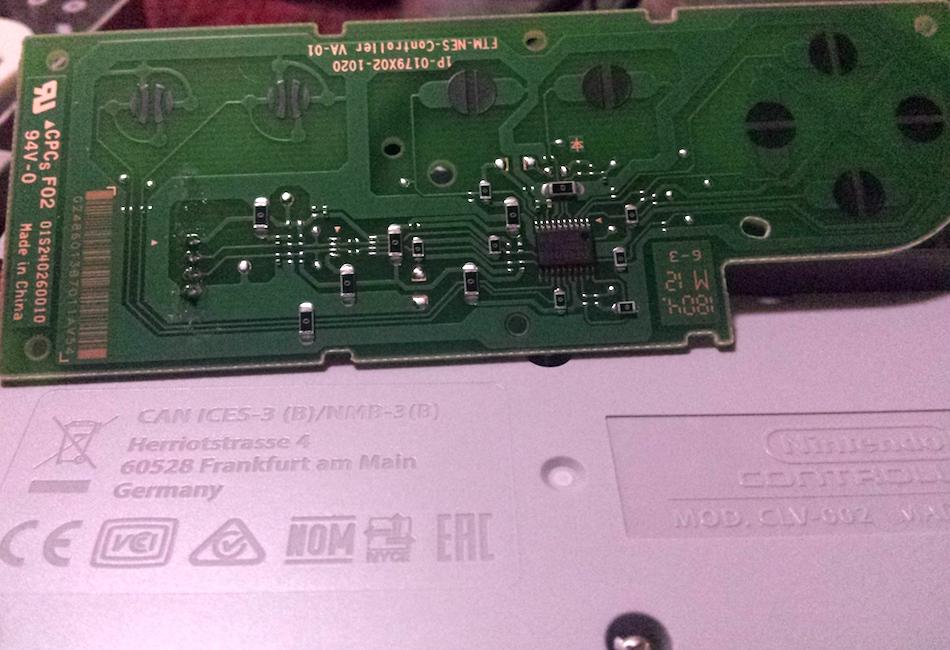 NES-004 vs CLV-002 controller